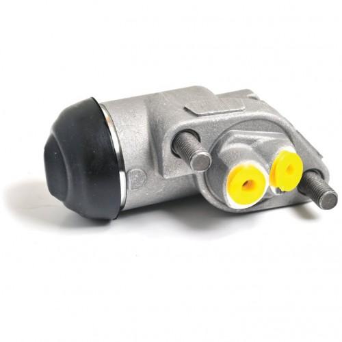 Austin Healey 100-6 BN4-6 Front RH Brake Cylinder image #1