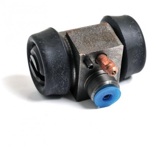 Sprite Mk II and Midget Mk I (late) Rear Brake Cylinder image #1