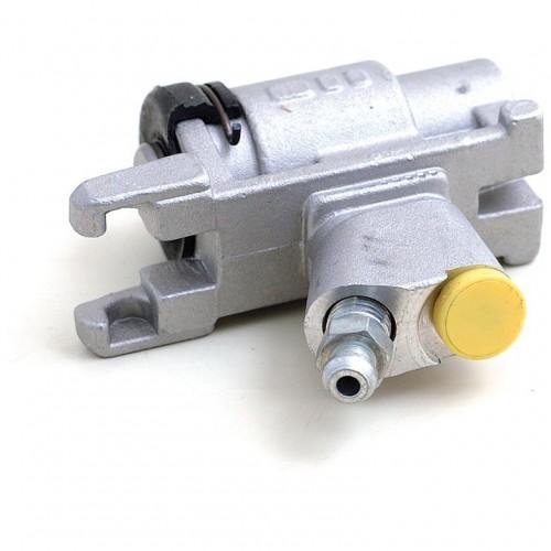 MGC 1967-69 Rear Brake Cylinder image #1