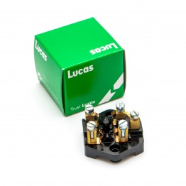 Lucas Type SF6 Fuse Box 37132 for two Glass Type Fuses